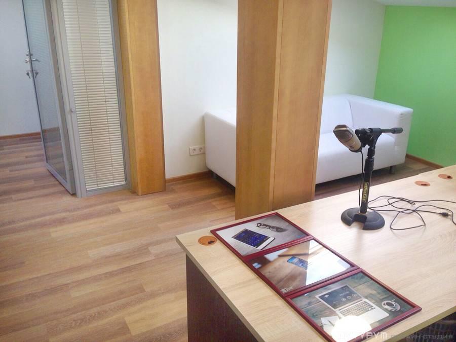 Современный офис на мансардном этаже